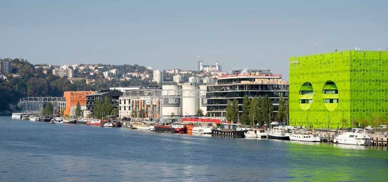 ساختمان یورونیوز و مکعب سبز فرانسه